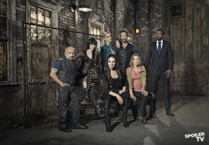 """Who Needs Vampires If You Can Have """"Lost Girl"""" Bo Instead?"""